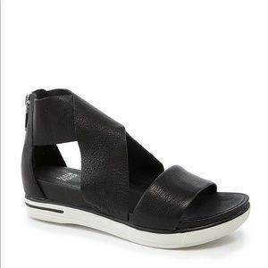 Eileen Fisher Sport Criss Cross Tumbled Leather